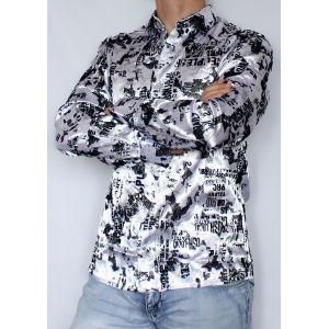 Серебристая рубашка с черными узорами