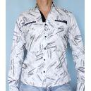 Белая рубашка с абстрактным рисунком фото